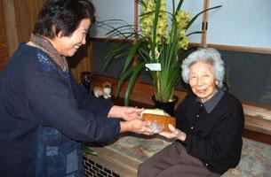 高齢者への声かけ訪問活動